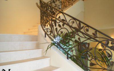 Wood vs. Iron Staircase Railing – Why Pick Iron?